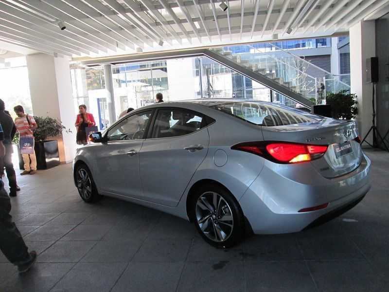 Lanzamiento en Chile: Hyundai Elantra 2014 se renueva con cambios