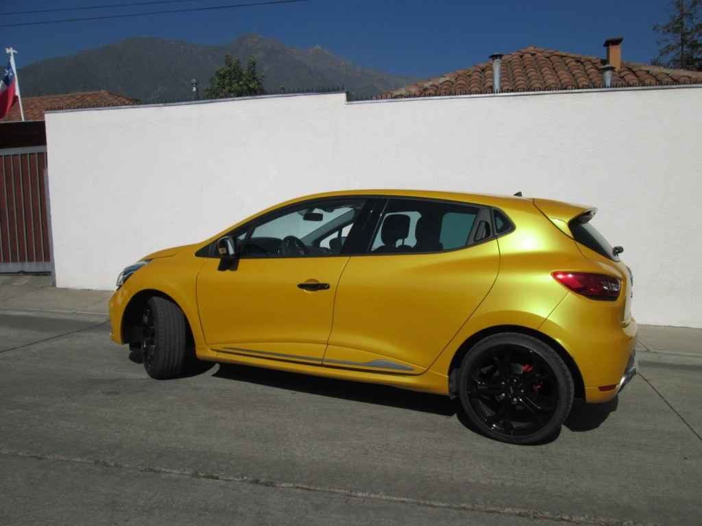 renault clio iv rs 200 cv 6at edc 2015 un nuevo pocket rocket a la francesa rutamotor. Black Bedroom Furniture Sets. Home Design Ideas
