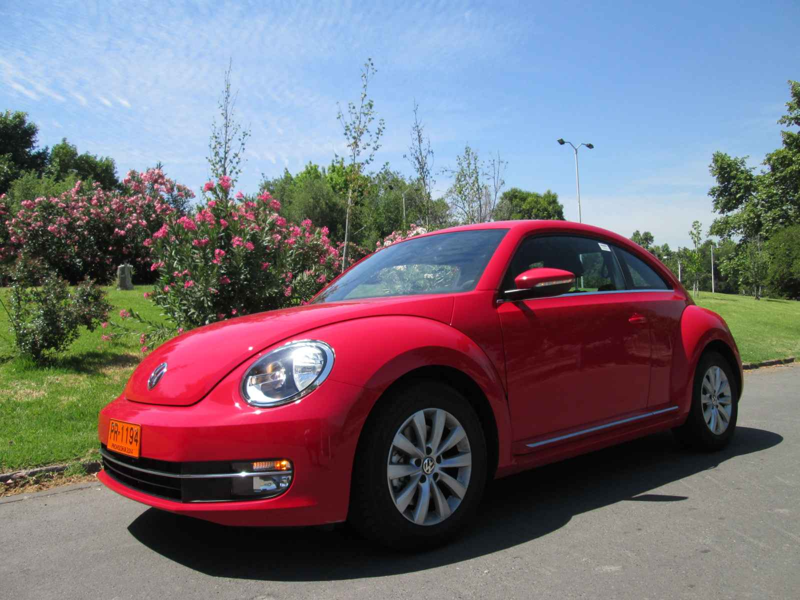 volkswagen beetle design 1 4t 160 cv 6mt 2015 mejorado para los rom nticos rutamotor. Black Bedroom Furniture Sets. Home Design Ideas