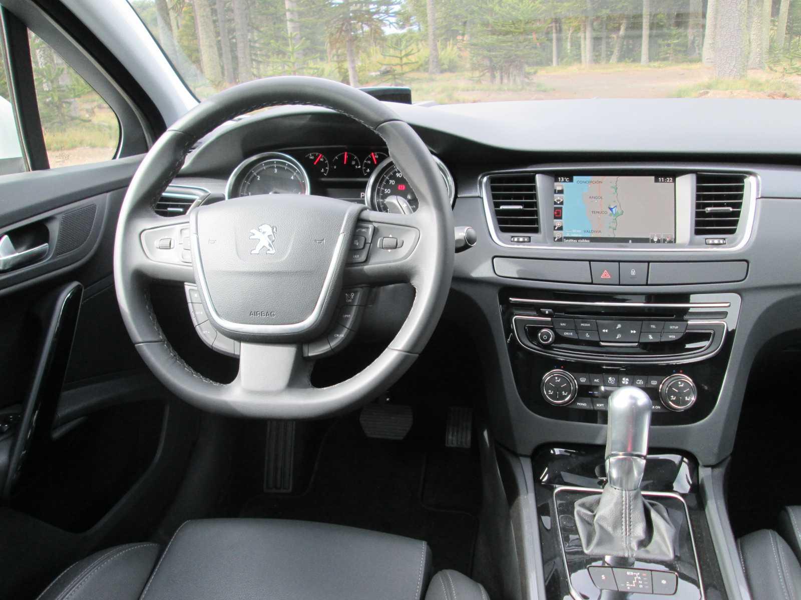 Peugeot 508 2.0L 165 CV Allure 2015 Toma de Contacto (14)