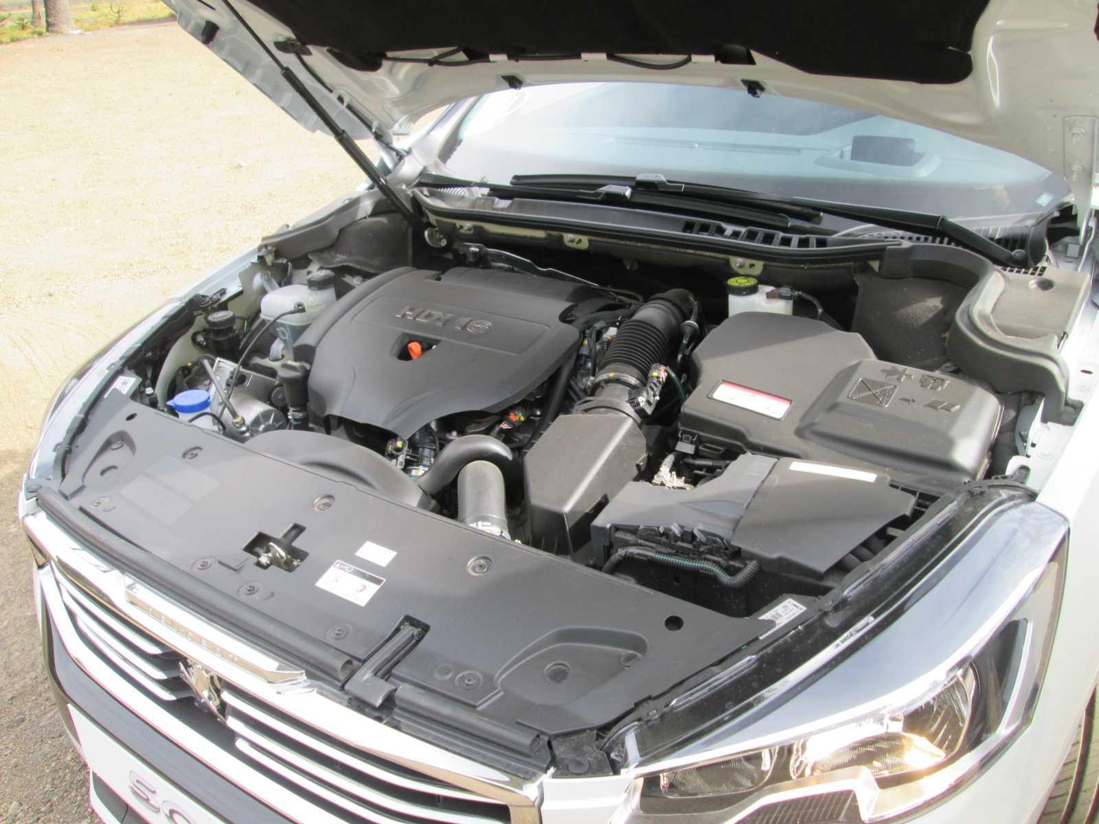 Peugeot 508 2.0L 165 CV Allure 2015 Toma de Contacto (23)