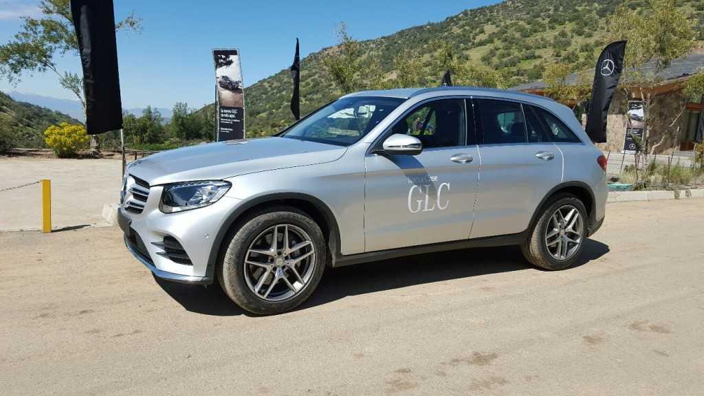 Mercedes benz presenta en chile su nuevo clase glc 2016 for Mercedes benz glc precio