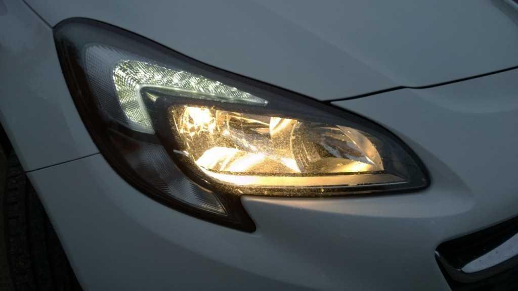 Opel Corsa enjoy 3p (32)