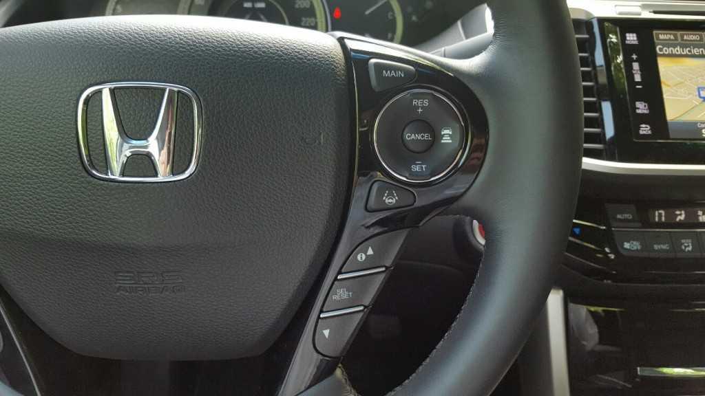 Honda Accord 2016 (32)