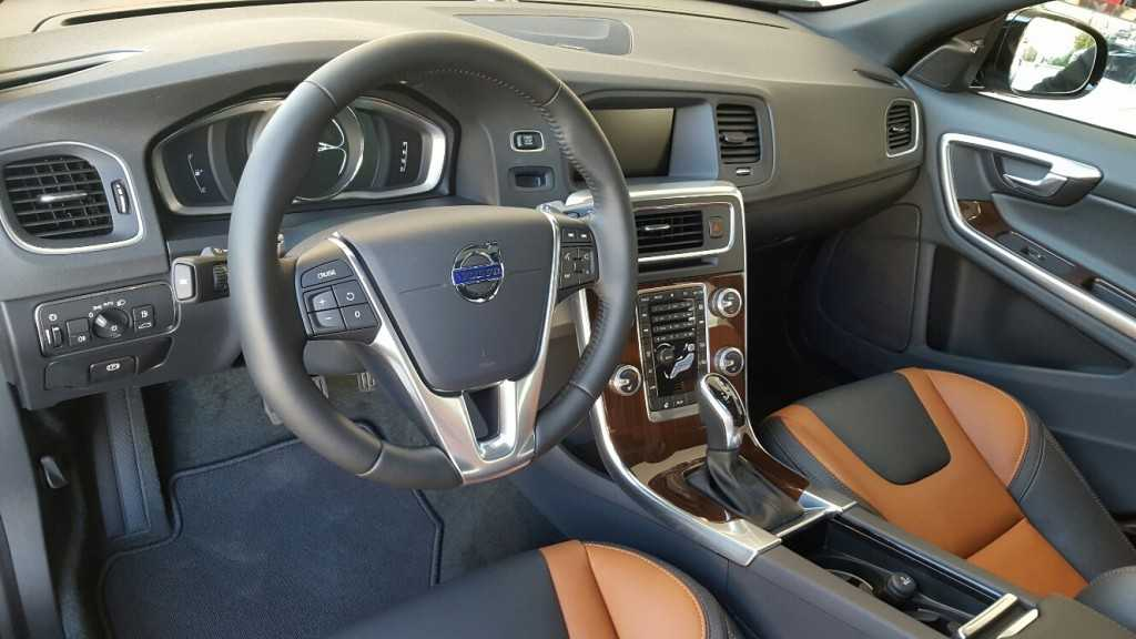 Volvo S60 Cross Country (10)