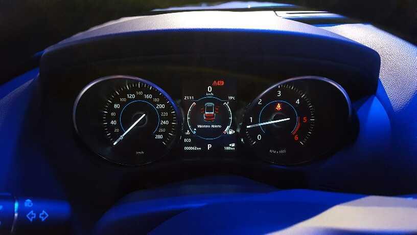 Jaguar F-Pace (10)