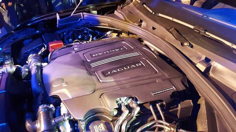 Jaguar F-Pace (13)