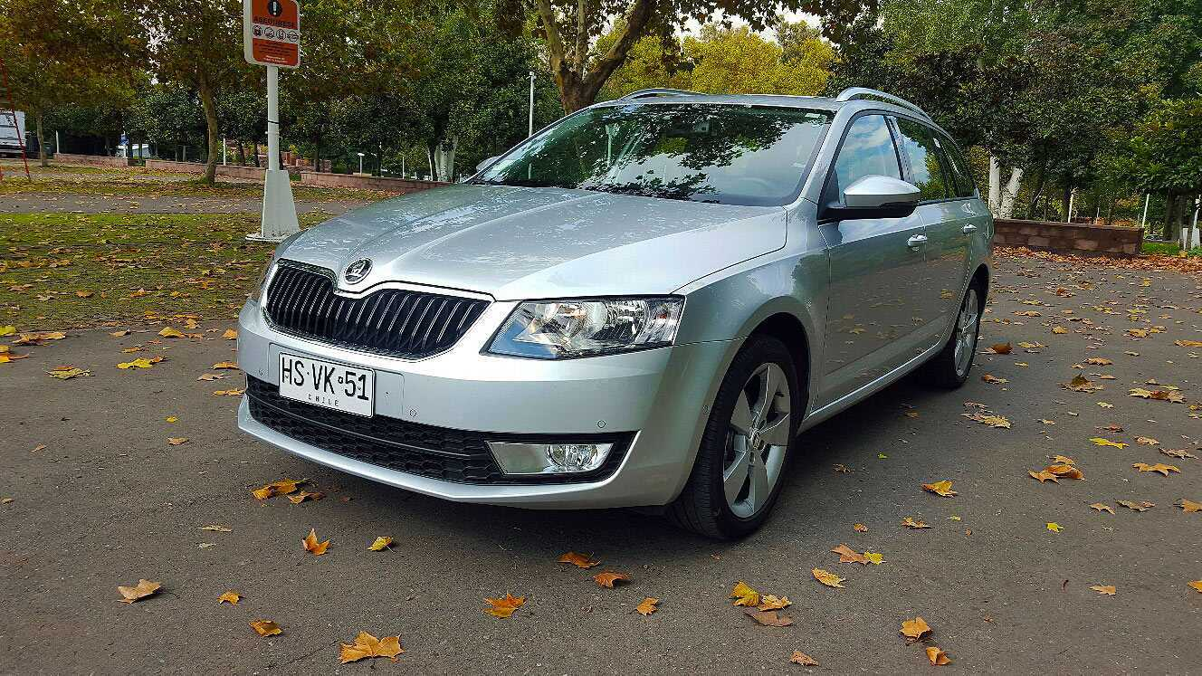skoda octavia combi 1 6 tdi 105 cv 2016 sorpresa en empaque familiar. Black Bedroom Furniture Sets. Home Design Ideas
