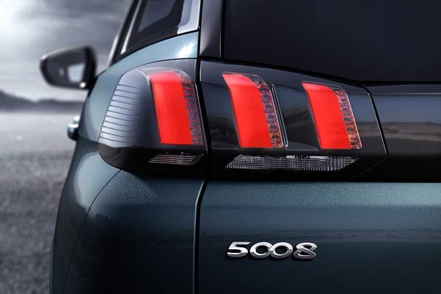 Peugeot 5008 nueva generación septiembre 2016 (9)