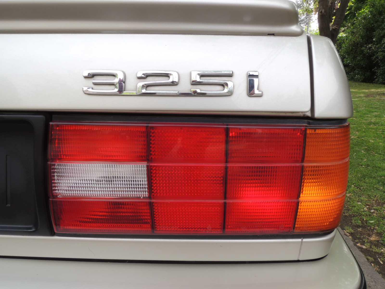 bmw-325i-1990-clasicos-rutamotor-30