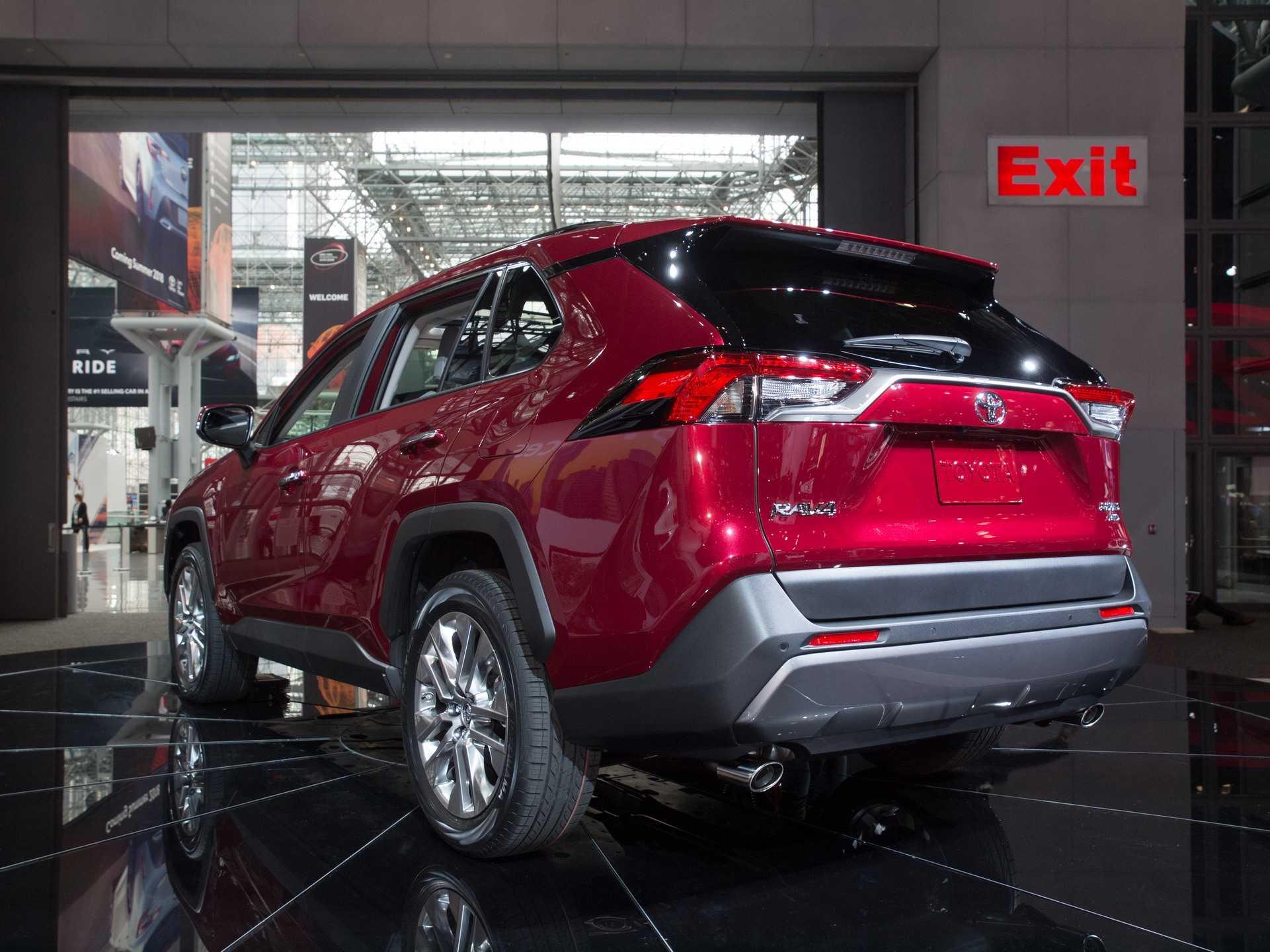 New York 2018: Toyota remece al segmento de los crossover con el nuevo RAV4 - Rutamotor