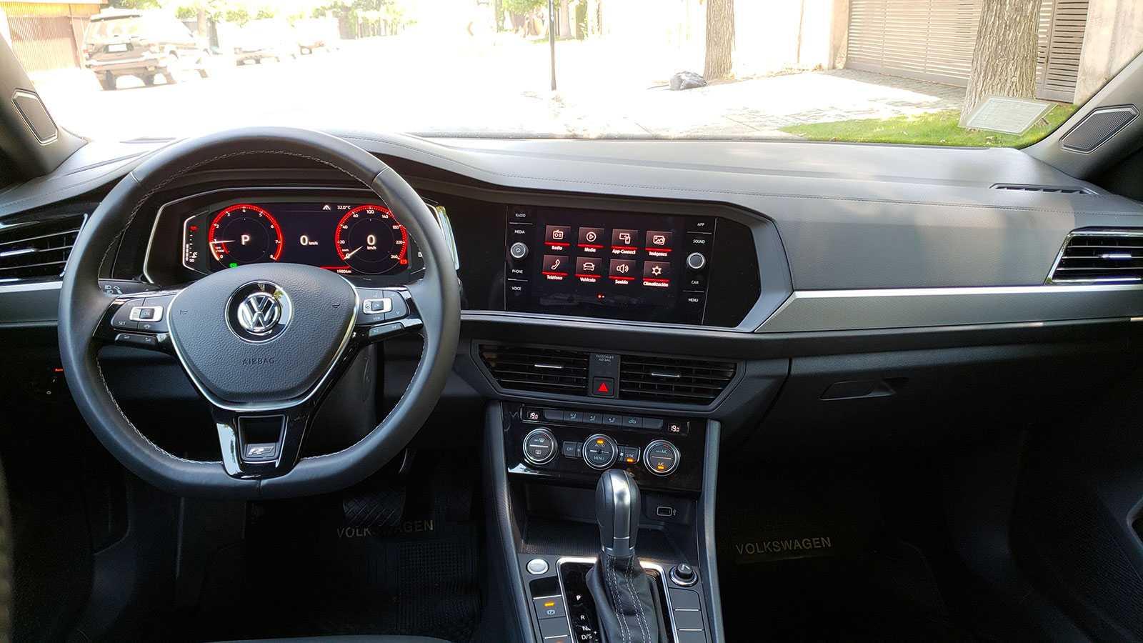Volkswagen Jetta 1 4t At R Line 150cv El Regreso De Un Conocido