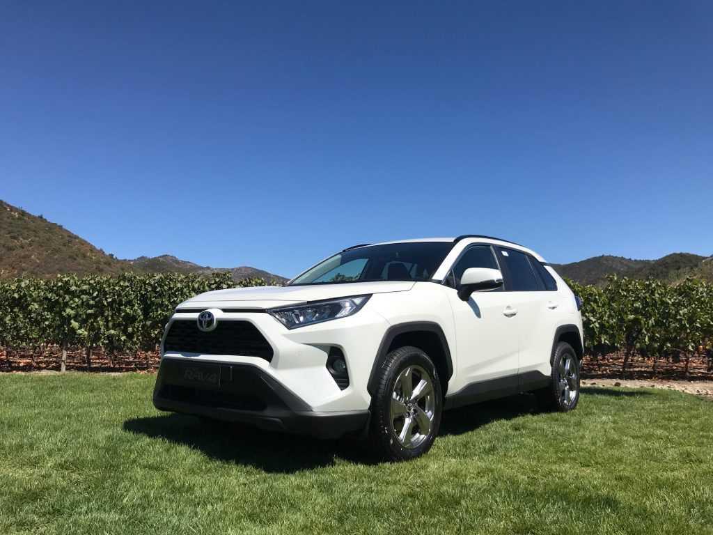 Toyota Lanza En Chile El Completamente Renovado Rav4 2019 Que