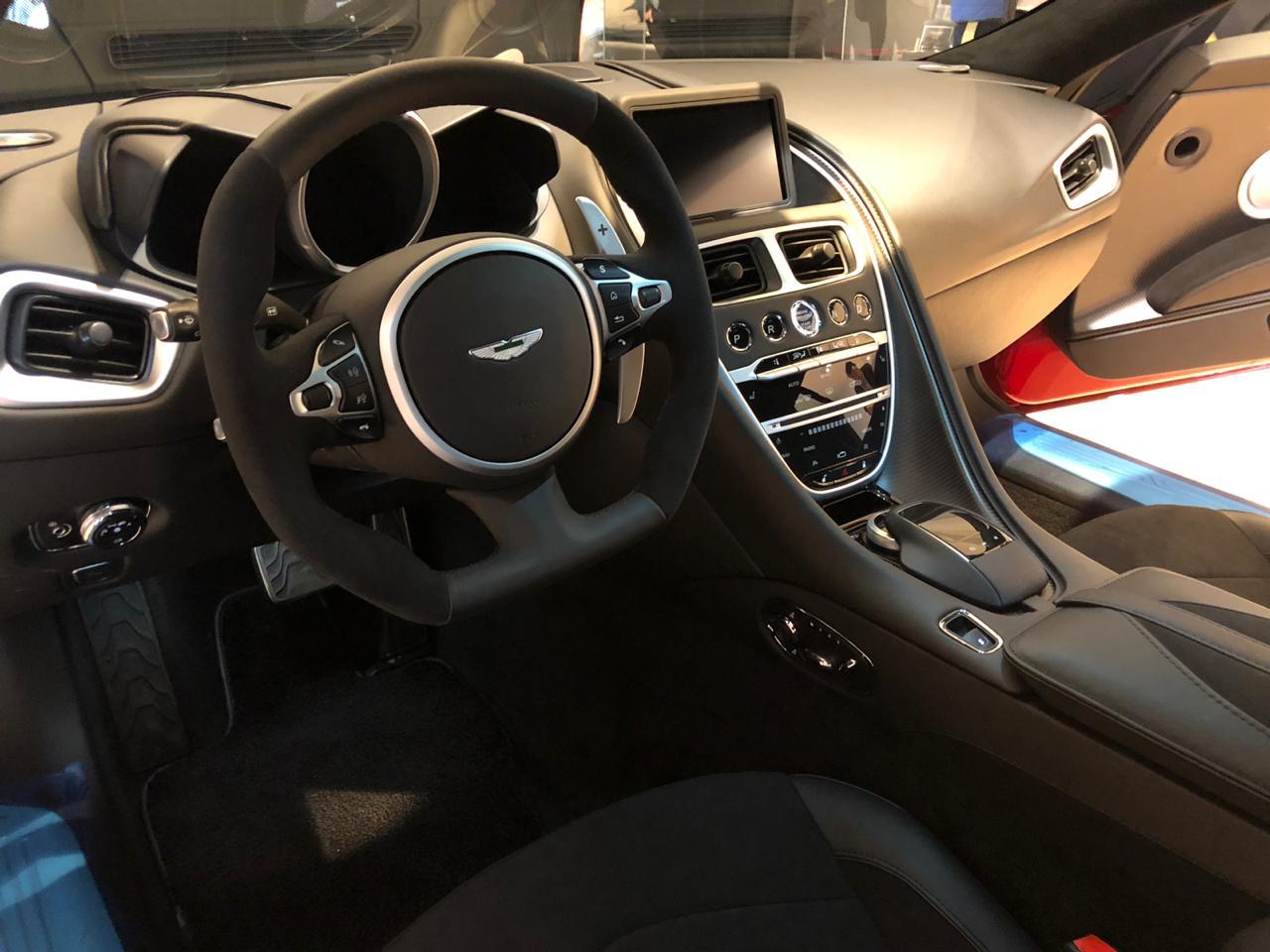Aterriza En Chile El Nuevo Aston Martin Dbs Superleggera